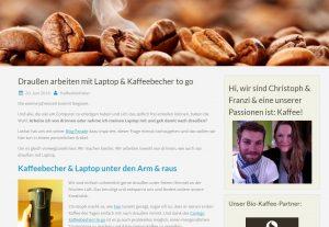 Beitrag von Christoph & Franzi.Draußen arbeiten mit Laptop & Kaffeebecher to go