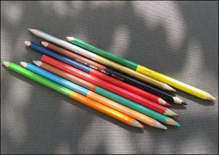 Buntstifte mit zwei Farben in einem Stift.